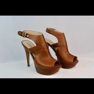 GUESS Ofira Ankle Strap platform Sandals 	NWT